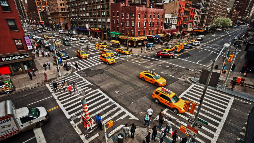 intersection-cars-traffic-new-york-ss-1920